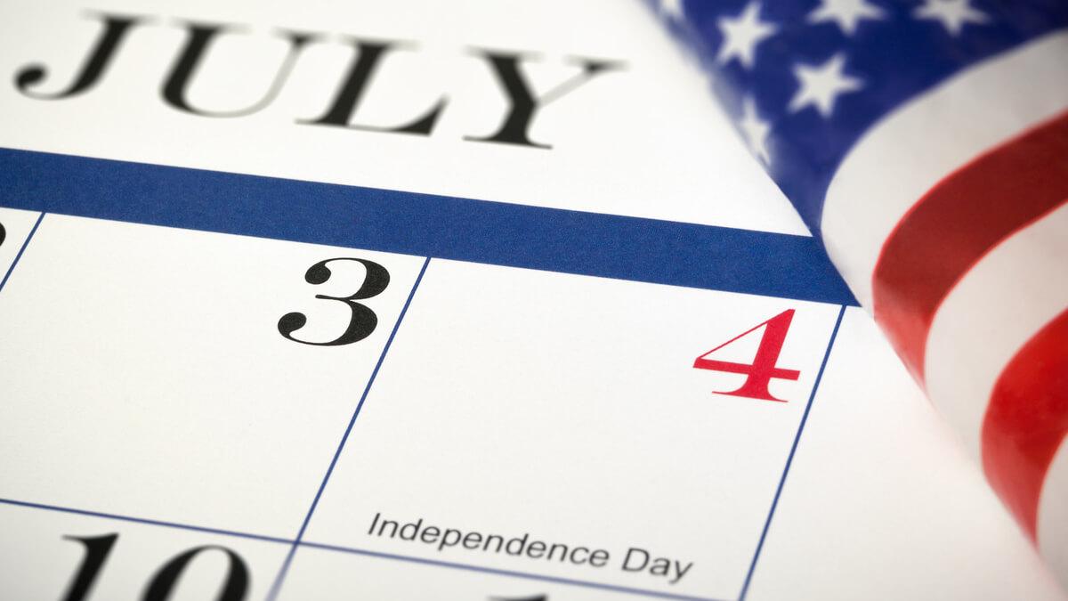 calendário mostrando o dia 4 de julho independência dos EUA