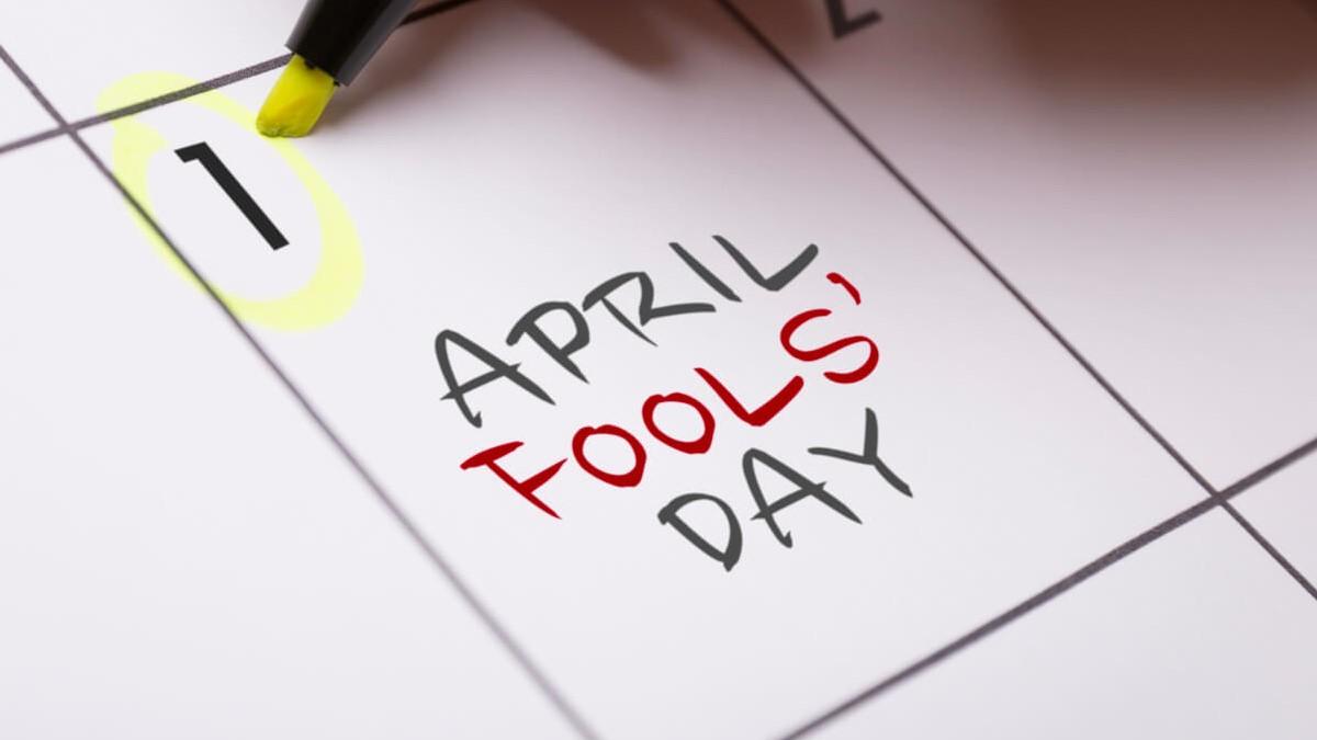 """Imagem da página 1 de um calendário, escrito """"April Fool's Dat"""""""