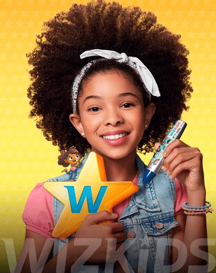 Menina negra segurando estrela com W e caneta Wiz.pen com logo de Wizkids embaixo
