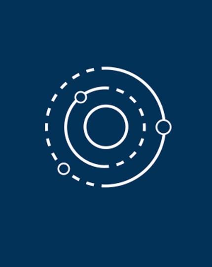 Logo Mission Brasil em branco, sobre um fundo azul