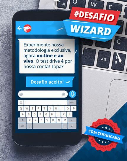 Um smartphone sobre um notebook com a chamada #DesafioWizard e selo de Certificado