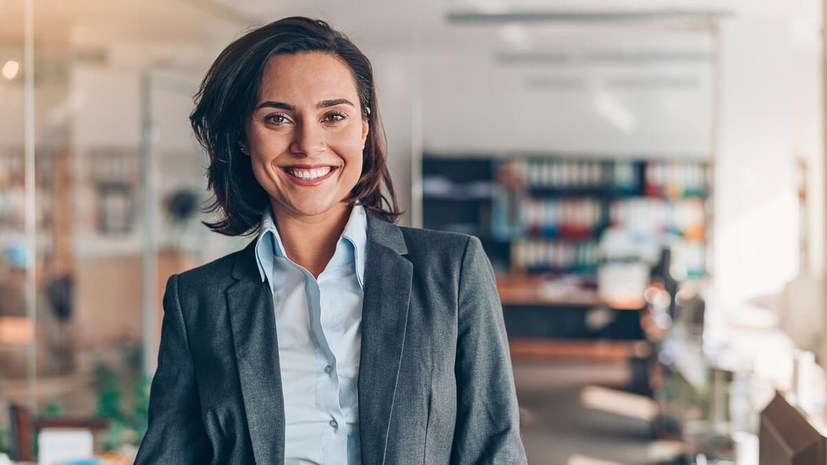 Mulher executiva em um escritório