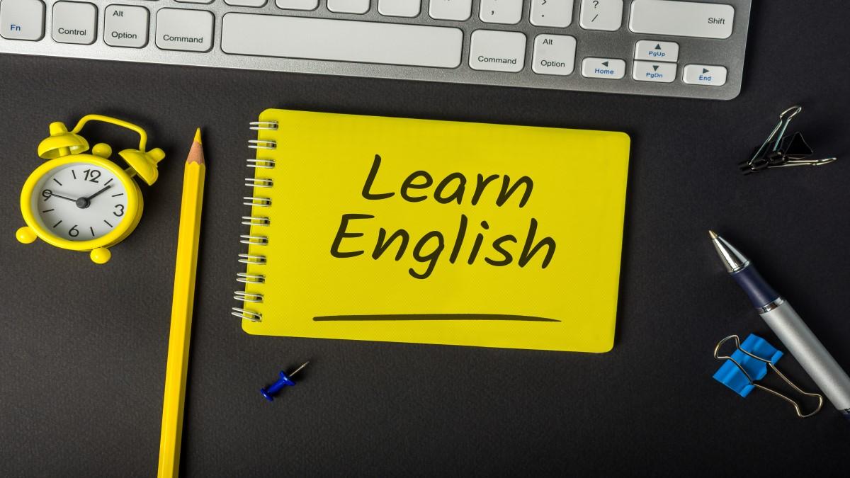 """Post it escrito """"learn english"""""""
