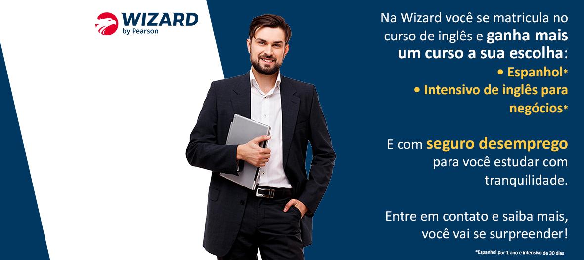 homem business no fundo azul marinho com promoção de matricule-se no inglês e ganha um curso de espanhol ou inglês para negócios