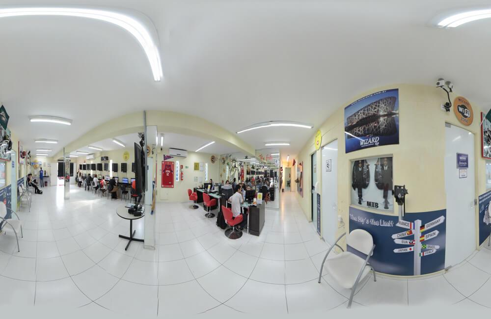 Interior escola de inglês em Curitiba Wizard Portão